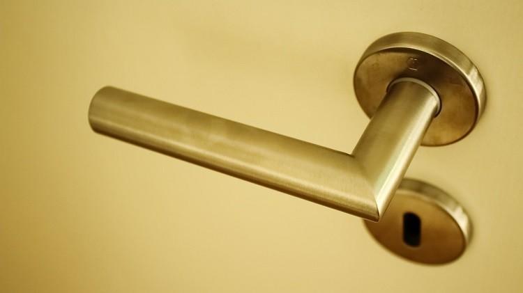 Stolarka drzwiowa - jak wybrać idealne drzwi wewnętrzne?